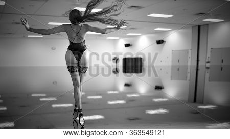 3D Ballerina In Light Classic Pointe Shoes And Bodysuit.