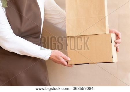 Worker Delivery Service Hand Hold Packing Bag Box Apron Packer Employee