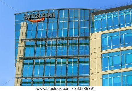 Sunnyvale, California, Usa - August 13, 2018: Amazon Logo One Of The Buildings Of Big Amazon Campus