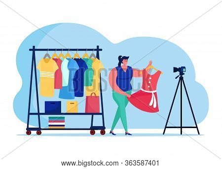 Fashionable Clothes Blogging Online Streaming, Female Character Vogue Internet Broadcasting Host Iso