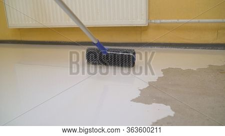 Concrete Floor Pouring Special Fillable Mortar. Self-filling Floor. Contract Painter Painting Garage