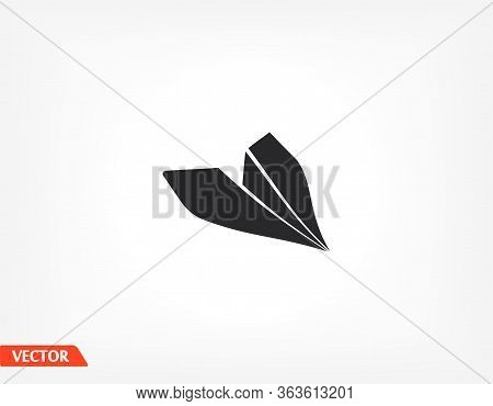 Outline Icon Paper Airplane Isolated On Application, Paper Airplane, User Interface. Editable Stroke