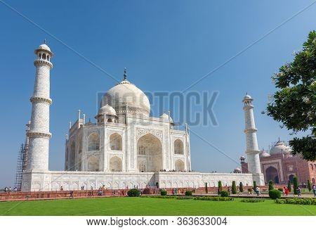 Taj Mahal Mausoleum In Agra, Uttar Pradesh, India