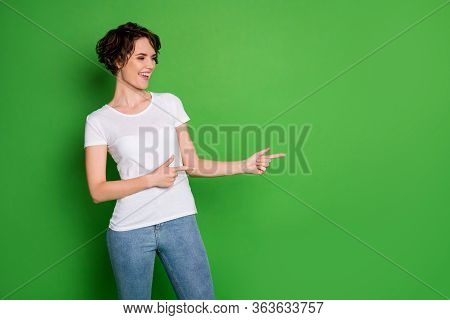 Photo Of Attractive Lady Wavy Hairdo Direct Fingers Side Empty Space Demonstrating Cool Novelty Exci