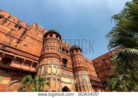 Historical Agra Fort Of The Mughal Dynasty Emperors, Unesco World Heritage Site In Agra, Uttar Prade