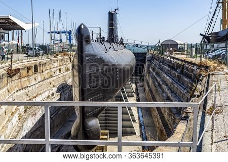 Cacilhas, Portugal - September 07, 2019: View Of The Nrp Barracuda Submarine In Dry Dock, Built In 1