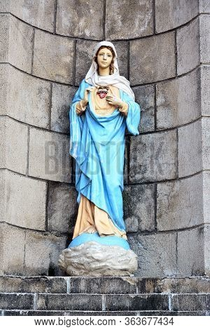 Manila, Ph - Oct. 7 - Santo Nino De Tondo Parish Mary Statue On October 7, 2017 In Tondo, Manila, Ph