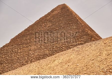 The Great Pyramid Of Giza (pyramid Of Khufu Or Pyramid Of Cheops) In The Giza Pyramid Complex In Cai