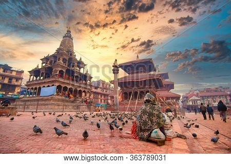 Kathmandu,nepal - 5 Jan 2016 : Local Nepalese People World Heritage Ancient Patan Durbar Square, Kat