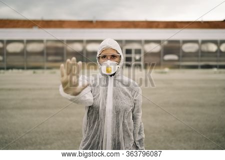 Coronavirus Er Doctor In Front Of Isolation Ward Hospital.covid-19 Physician With Protective Gear.ha