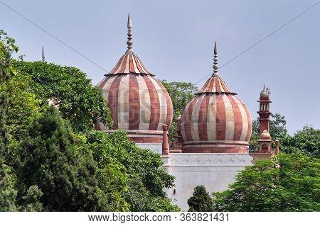 Safdarjung's Tomb, Mughal Style Mausoleum Built In 1754, In New Delhi, India