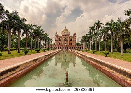 Safdarjung's Tomb, Mughal Mausoleum Built In 1754 In New Delhi, India