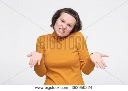Freaked Out Pissed Girl Omplaining Shrugging Spread Hands Sideways Bothered Upset
