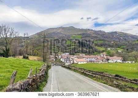Sunday Walk Near The Village Basgue   Erratzu