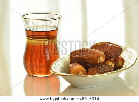 Arabic black tea and dates