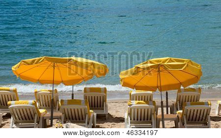 Cannes - Lounge Chairs And Parasol