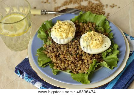 Lentil salad with egg and cream curry