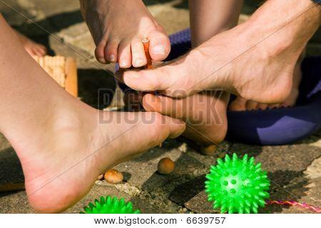 Healthy feet - feet gymnastics