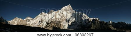 Mount Everest (8,848 m) and Mount Nuptse (7,861 m) in Khumbu region, Himalayas, Nepal.