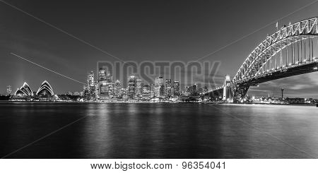 SYDNEY, AUSTRALIA April 02, 2014: Sydney's opera house and skyline