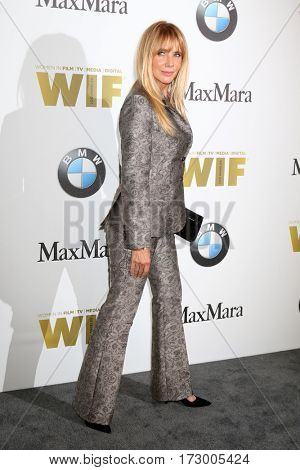 LOS ANGELES - JUN 15:  Rosanna Arquette at the Women In Film 2016 Crystal and Lucy Awards at the Beverly Hilton Hotel on June 15, 2016 in Beverly Hills, CA