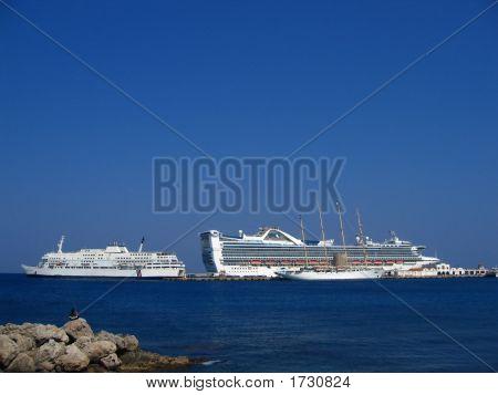 Boats_Greece