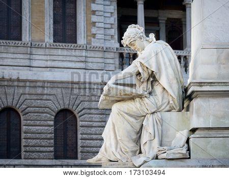 Monument in memory of Marco Mighetti (politician) in a public square in Rome 1894. Letterio Lio Gangeri 1845-1913)