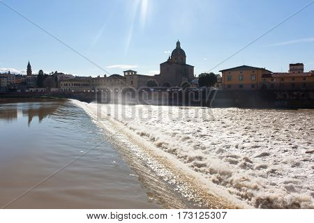 View of the Arno River and old house of Florence (Italian: Firenze Toscana).