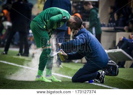 VILLARREAL, SPAIN - FEBRUARY 16: Sergio Asenjo during UEFA Europa League match between Villarreal CF and AS Roma at Ceramica Stadium on February 16, 2017 in Villarreal, Spain