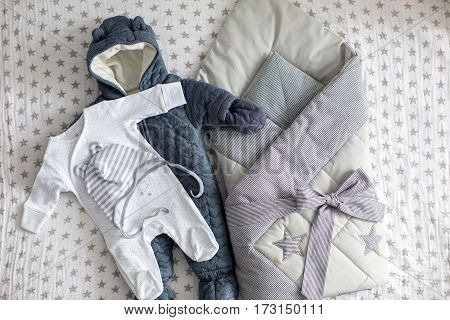 children's clothing to the statement from the family of the house envelope and the overalls winter