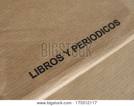 libros y periodicos (i.e. books and journal in Spanish)