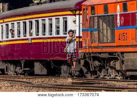 Thai Railway Train People Step Up