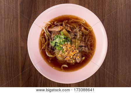Noodles Braised Pork