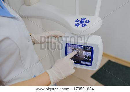 Dentist Sets Panoramic Digital X-ray