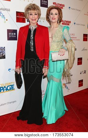 LOS ANGELES - FEB 26:  Karen Sharpe Kramer, Kat Kramer at the Style Hollywood Oscar Viewing Dinner at Hollywood Museum on February 26, 2017 in Los Angeles, CA