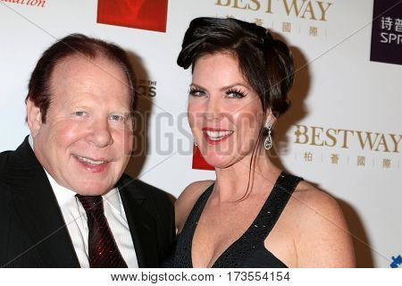 LOS ANGELES - FEB 26:  Bob Lorsch, Kira Reed Lorsch at the Style Hollywood Oscar Viewing Dinner at Hollywood Museum on February 26, 2017 in Los Angeles, CA