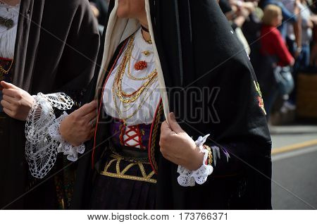 The old tradition and Folk of Sardinia