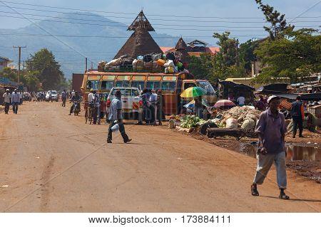 Nairobi Kenya - 07 Januar 2013 many people outsidepeople in Kenya