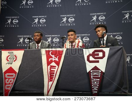 NEW YORK-DEC 8: (L-R) Ohio State Buckeyes quarterback Dwayne Haskins, Alabama Crimson Tide quarterback Tua Tagovailoa and Oklahoma Sooners quarterback Kyler Murray at a press conference in New York.