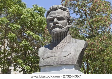 Evpatoria, Crimea, Russia - July 2, 2018: Monument To Mikhail Vasilyevich Frunze In The Resort Town