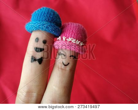 Loving couple finger puppets
