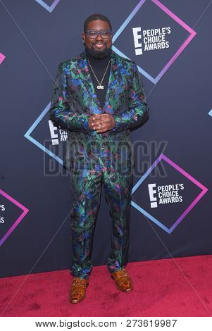 LOS ANGELES - NOV 11:  Lil Rel Howery arrives for the 2018 People's Choice Awards on November 11, 2018 in Santa Monica, CA