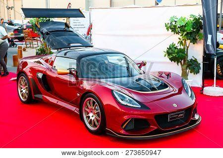 Dubai, Uae - November 15, 2018: British Sportscar Lotus Exige Takes Part In The Annual Gulf Car Fest
