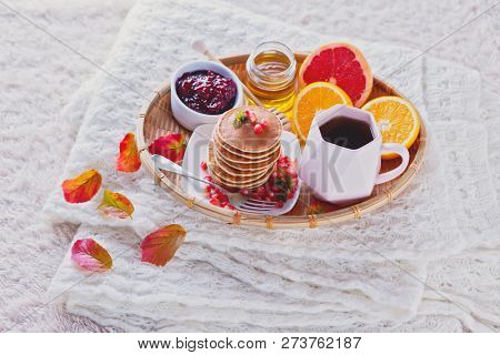 pancakes breakfast in bed perfect day - food and drink