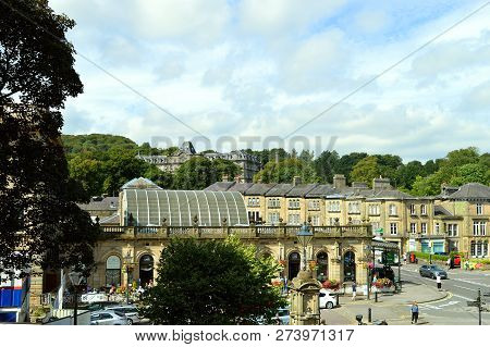 Buxton, Derbyshire, England, Uk, Europe - August 28, 2017 : Historical Buidings In The Centre Of Bux