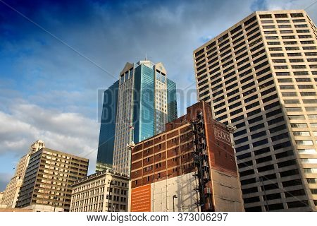 Kansas City, Usa - June 25, 2013: Street View In Downtown Kansas City, Missouri. Kansas City Is The