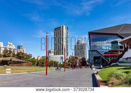 Sydney, Australia - February 25, 2020: Pedestrian Area At The Darling Harbour In Sydney, Australia.