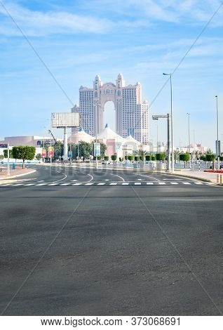 Abu Dhabi, United Arab Emirates - 13/03/2020:  An Empty Road View Of Marina Mall In Abudhab And Fair
