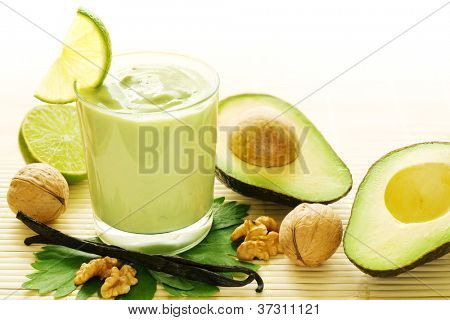 Fresh smoothie of avocados, vanilla, walnuts and limes