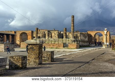 Italy, Pompeii 02,01,2018  Archaeological Ruin Of Ancient Roman City, Pompeii, Was Destroyed By Erup